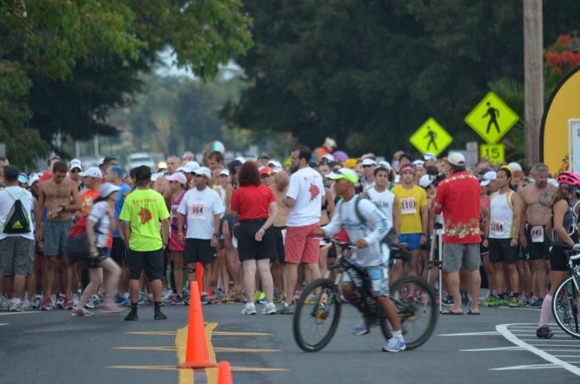 Starting line of Kona half marathon race